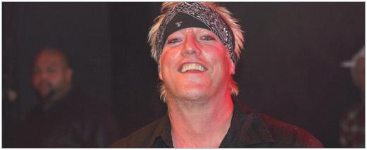 Jani lane dead warrant plays tribute to former rocker image